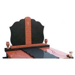 Мемориальный комплекс с поднятым основанием